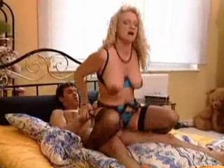 Mature woman seduces delivery boy
